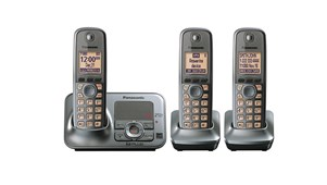 Panasonic DECT 6.0 Digital Cordless Phone & Answering System w/ Three Handsets! (Refurbished)